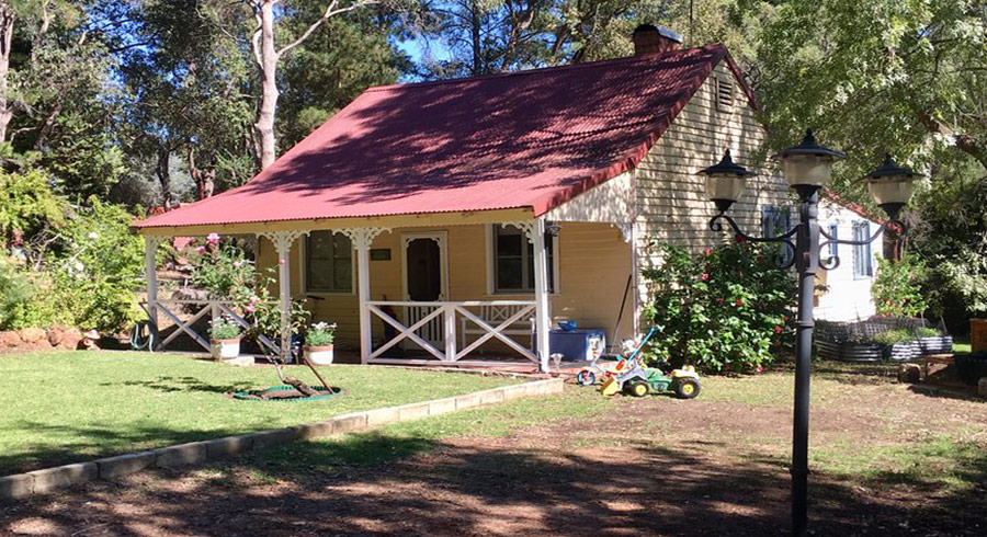 Gumleaf Cottage Farmstay